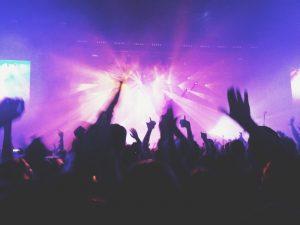 La exposición a música en el tiempo de ocio aumenta el riesgo de tinnitus